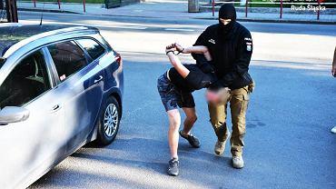 Jeden z zatrzymanych przez policję w sprawie napaści na uczniów Szkoły Mistrzostwa Sportowego w Rudzie Śląskiej