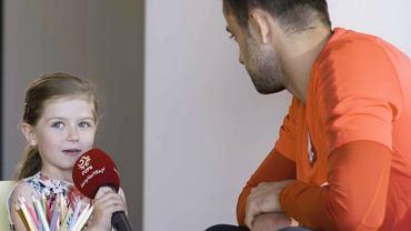 6-letnia dziewczynka przeprowadziła wywiad z naszymi piłkarzami i zadała im trudne pytania