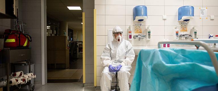 MZ: 6 789 zakażeń koronawirusem i prawie 400 ofiar COVID-19