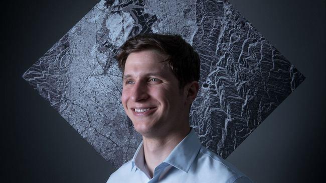 """Zaczynał w kosmicznej branży jako 22-latek. Dziś """"polski Elon Musk"""" należy do najlepszych na świecie"""