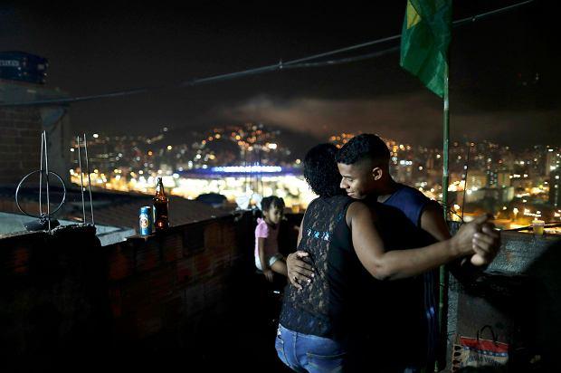 Zdjęcie numer 3 w galerii - Prawdziwe oblicze olimpiady w Rio. Z jednej strony bogactwo, z drugiej bieda
