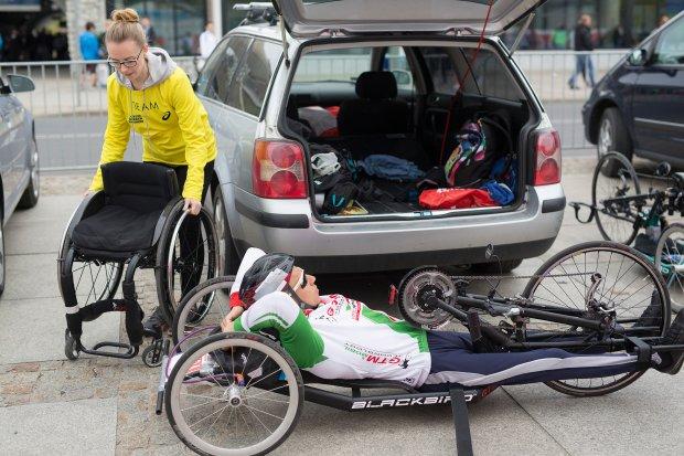 Wolontariusze na Orlen Warsaw Marathon 2015