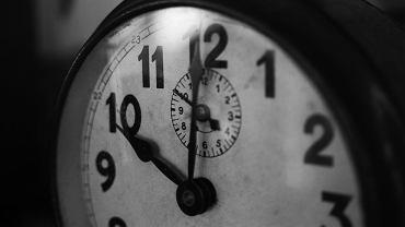 Zmiana czasu 2020 już w marcu. Kiedy przestawiamy zegarki z czasu zimowego na letni?