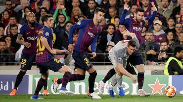Gerard Pique krytykuje kibiców Barcelony po meczu z Bayernem.