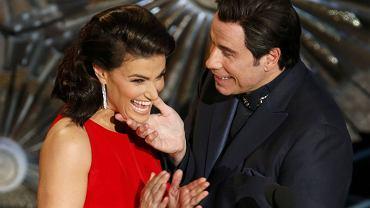 Idina Menzel i John Travolta