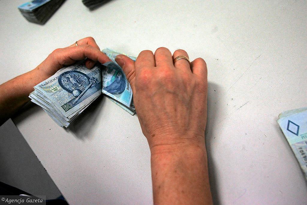 Waloryzacja rent i emerytur 2021. Ile wynosi minimalna emerytura po podwyżce?