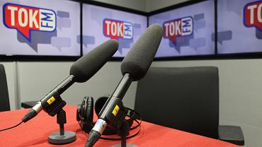 mikrofony w studiu podcastowym tokfm.pl