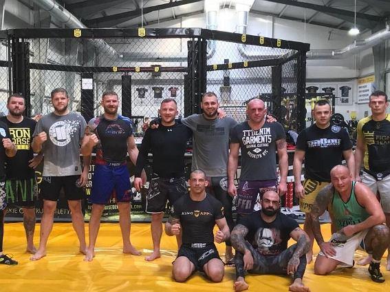 Artur Szpilka na treningu MMA
