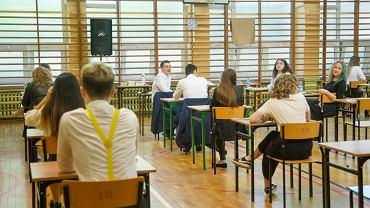 Kiedy egzamin ósmoklasisty 2021? Czasu do nauki coraz mniej. Uczniowie powinni opanować treść tych lektur