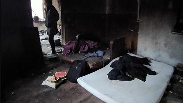 Las mujeres polacas vagabundas dan a luz en condiciones espantosas.