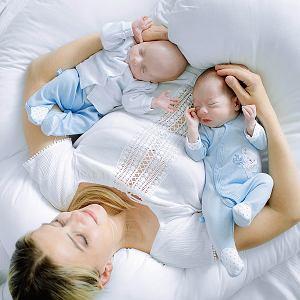 Bruno i Dawid z mamą Anną. Chłopcy urodzili się w czasie pandemii
