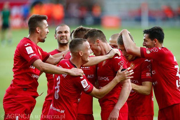 Widzew Łódź w euforii! Potężny ścisk w tabeli II ligi