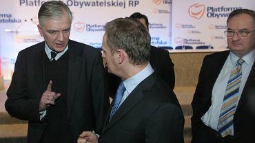Rada Krajowa PO: Jarosław Gowin, Donald Tusk i Jacek Sariusz-Wolski. Warszawa, 2009 rok