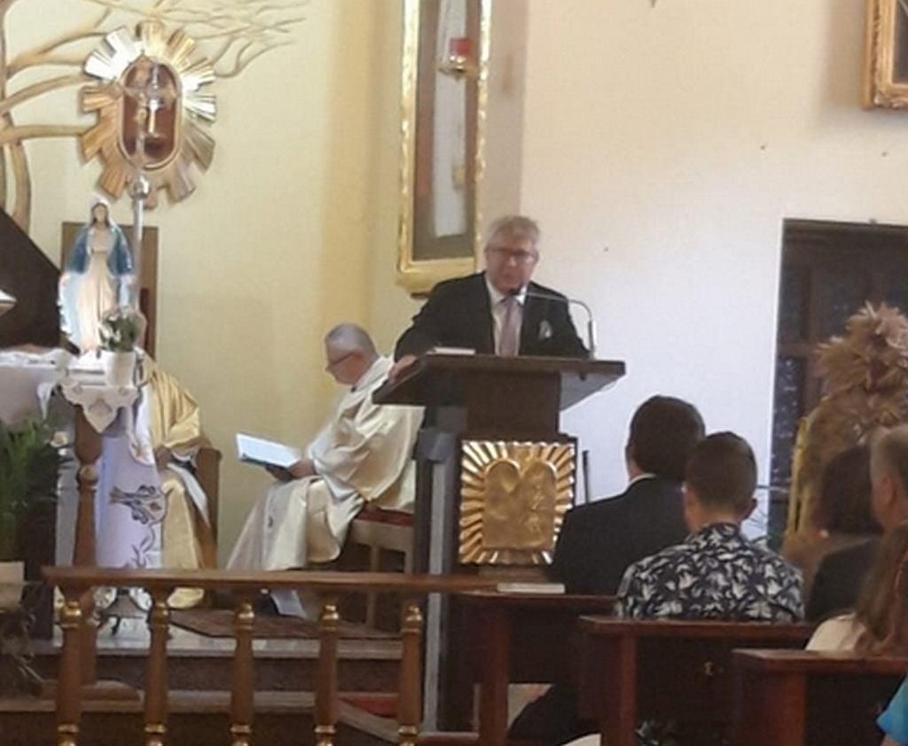 Ryszard Czarnecki przemawiał w kościele w Kamieńcu Wrocławskim