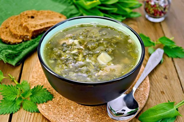 Zupa zacierkowa, a może zupa szczawiowa? Przepis babci na pierwsze danie
