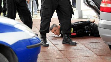 Policjanci ćwiczą, jak sobie radzić z demonstrantami