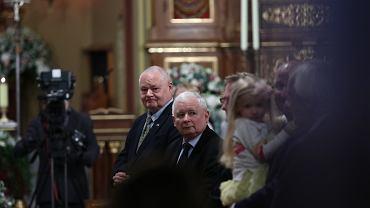 Adam Glapiński i Jarosław Kaczyński na ślubie prezesa TVP Jacka Kurskiego w Krakowie