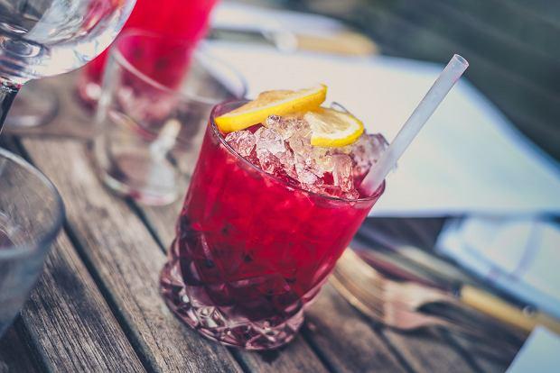 Koktajle i drinki na letnie przyjęcie