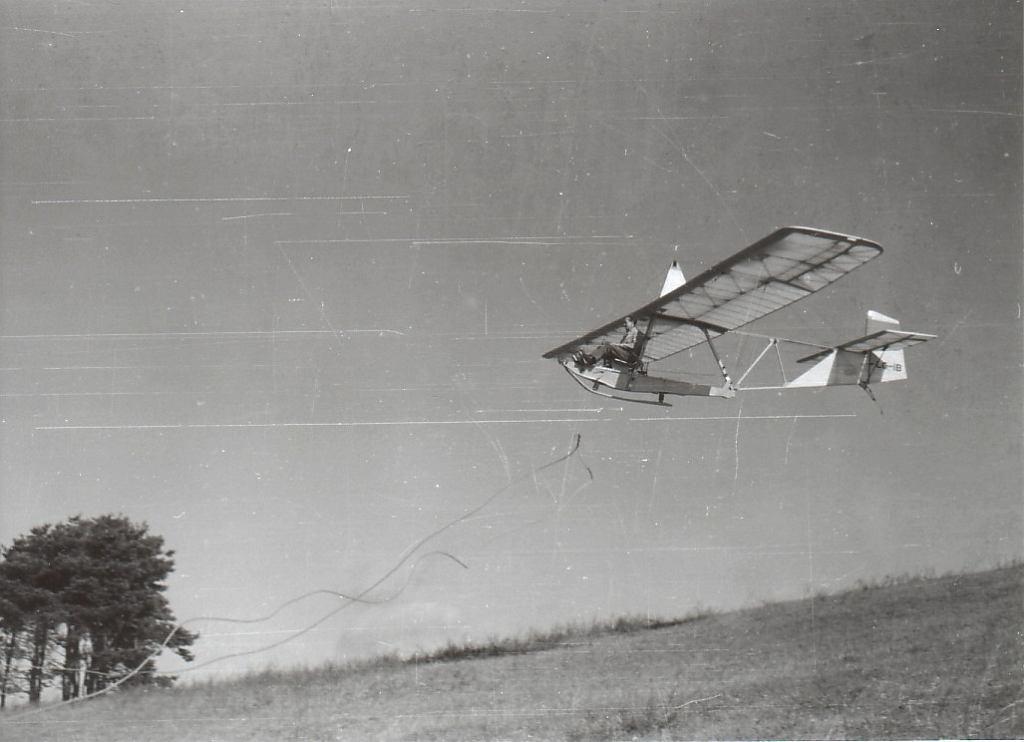 Lot szybowcem w Rzadkowie, 1945 (archiwum prywatne Ryszarda Witkowskiego)