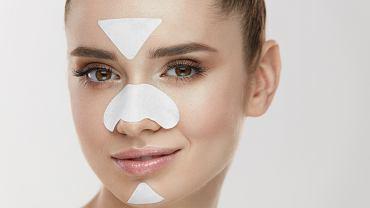 Skóra mieszana łączy właściwości skóry suchej (policzki i część brody) i skóry tłustej (czoło, nos i broda - tzw. strefa T)