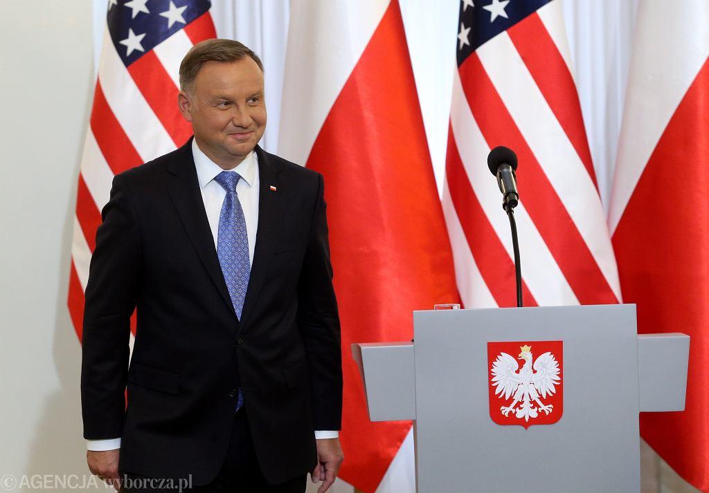 Prezydent Andrzej Duda podczas podpisania układu o wzmocnieniu współpracy wojskowej Polski i USA w Pałacu Prezydenckim, 15 sierpnia 2020 r.