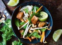 Sałatka z tofu ze świeżymi ziołami - ugotuj