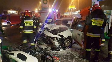 Pijana 17-latka rozpędzoną taksówką wjechała w stację benzynową w Łodzi