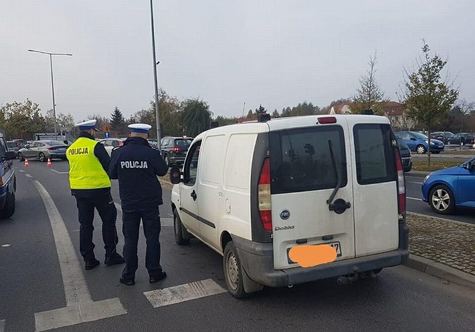 Policjanci wyeliminowali z ruchu kierowcę po narkotykach w samochodzie, od którego mogły odpaść koła