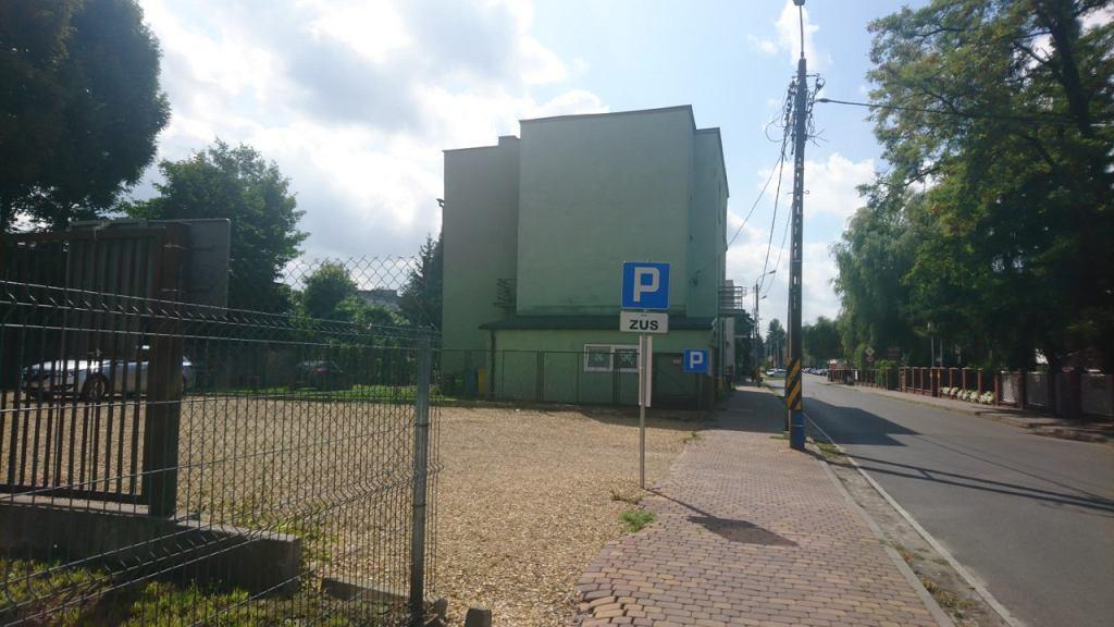 Parking przy budynku ZUS-u w Sosnowcu