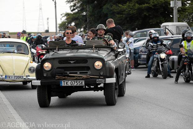 Zdjęcie numer 0 w galerii - Cudowne samochody i motocykle. Zlot pamięci organizatora tej imprezy [ZDJĘCIA]