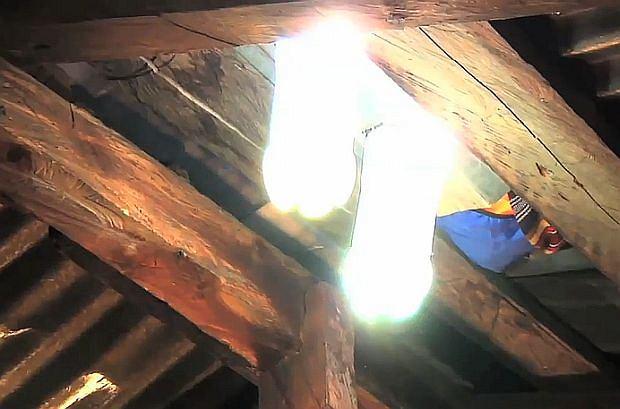 Lampa Butelka Nie Potrzebuje Prądu Genialny Pomysł