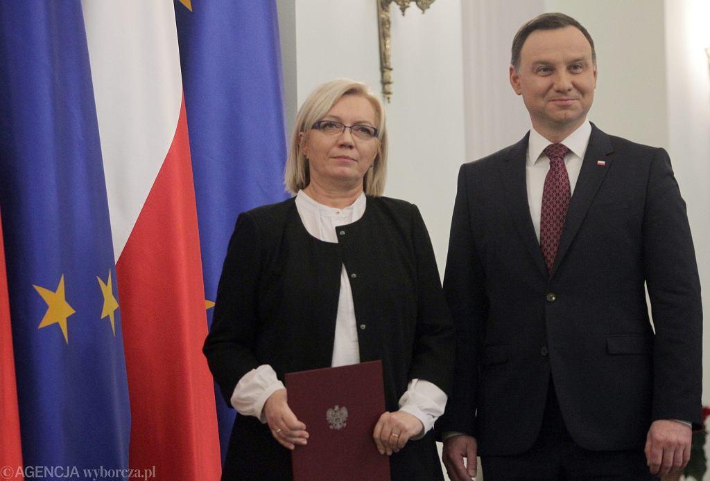 Prezydent Andrzej Duda i sędzia Julia Przyłębska podczas jej zaprzysiężenia jej na prezesa TK (fot. Przemek Wierzchowski/AG)
