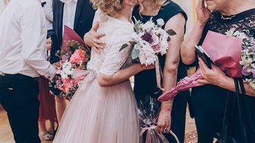 Z czego Polacy rezygnują podczas wesel? Nowe trendy zaskakują. 'To lekceważenie rodziny' (zdjęcie ilustracyne)
