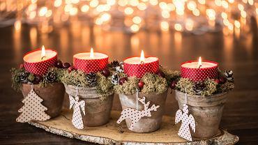 Ozdoby świąteczne DIY mogą być bardzo różnorodne. Zdjęcie ilustracyjne