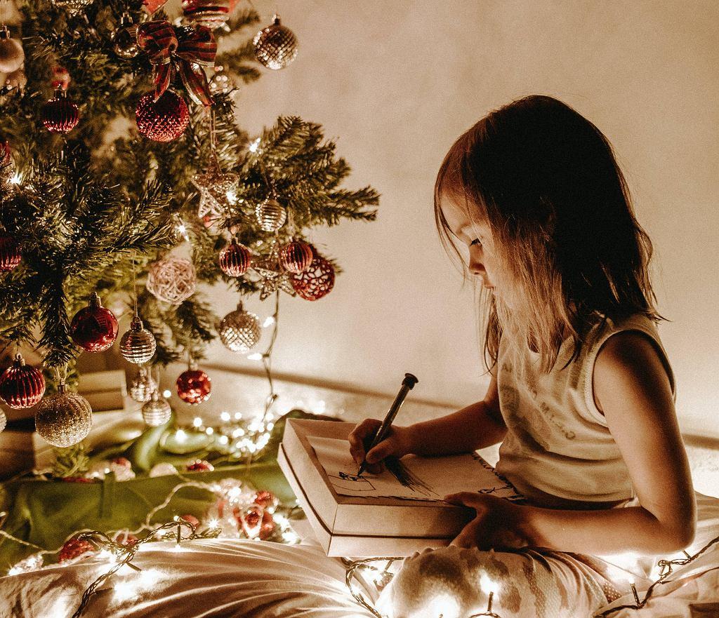 Boże Narodzenie 2020. Kolędy świąteczne z prostymi tekstami dla dzieci.