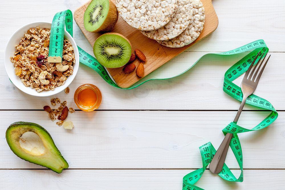 Dieta 1500 kalorii ma wiele zalet i może być stosowana przez dłuższy czas, zalecana jest osobom z nadwagą i otyłością
