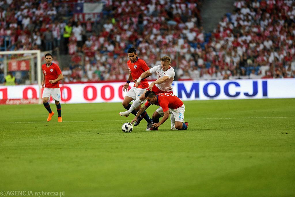 Polska - Chile 2:2 w Poznaniu. Jakub Błaszczykowski walczy z Chilijczykami