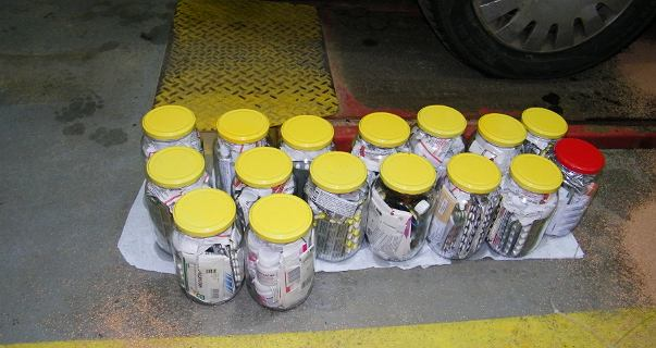 Gołdap. Słoiki w zbiorniku paliwa. Kierowca chciał przemycić leki do Rosji