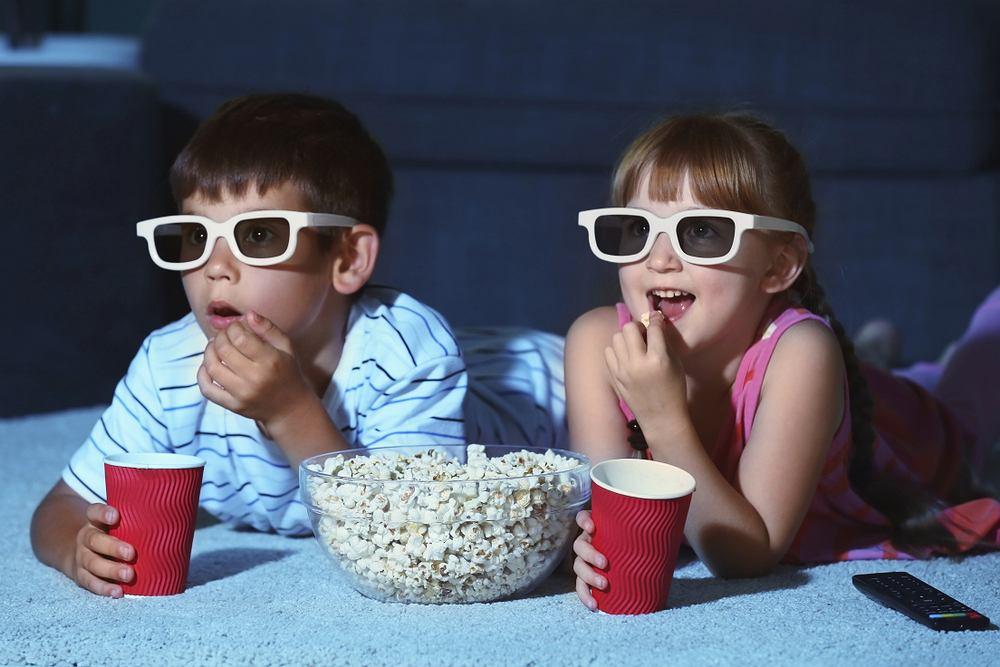 Bajki dla dzieci to dobry pomysł na ciekawy wieczór. Zdjęcie ilustracyjne