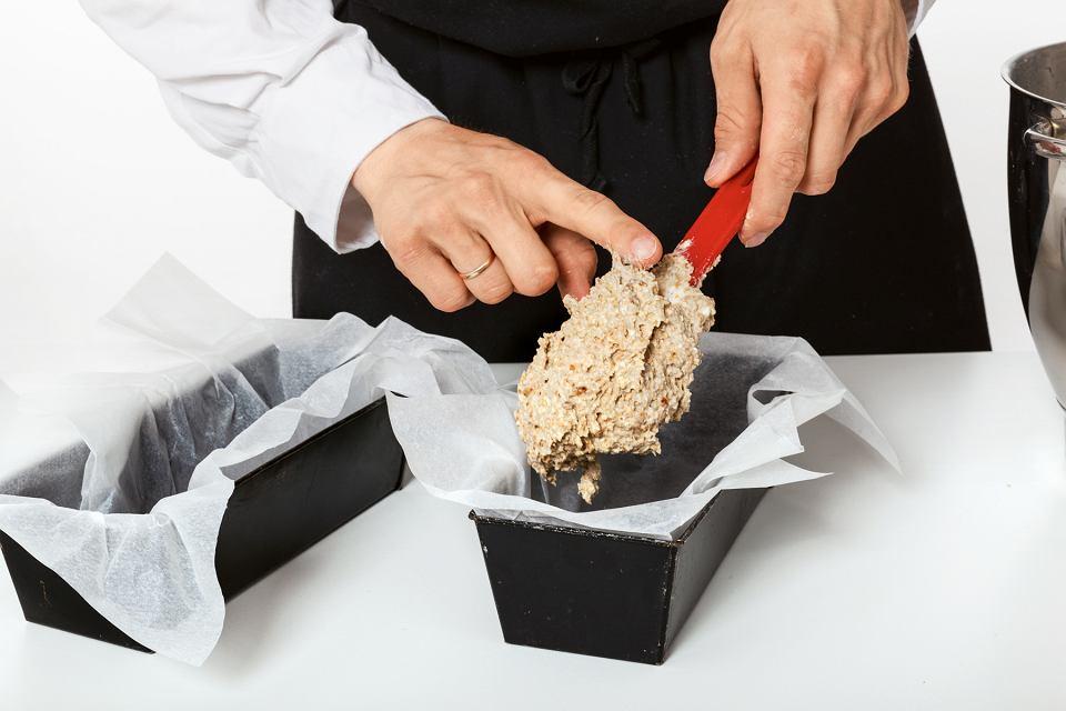 Zdjęcie numer 4 w galerii - Domowy chleb żytni z ziarnami - przepis krok po kroku