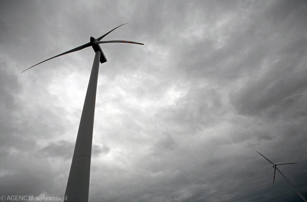 Farma wiatrowa, zdjęcie ilustracyjne.