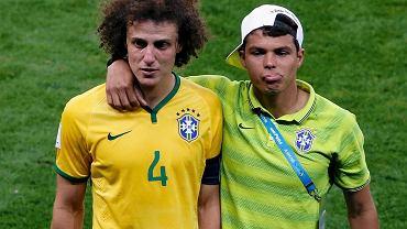 David Luiz i Thiago Silva po przegranej z Niemcami w półfinale Mundialu.