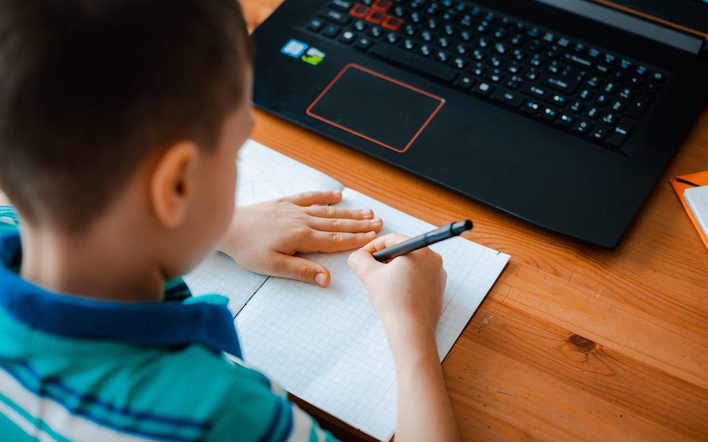 Mama ósmoklasisty: Teraz dobić się do korepetytora to sztuka, wszystkie terminy zajęte [List do redakcji]
