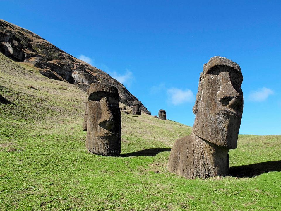 Wyspa Wielkanocna, posągi Moai.