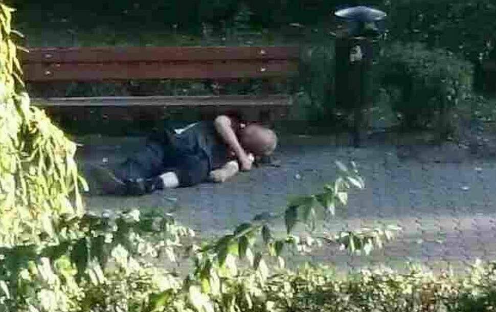 Nieprzytomny mężczyzna w parku w Kaliszu