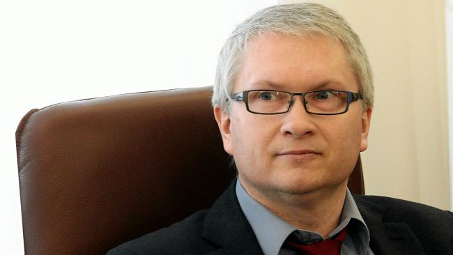 Członek RPP chciał banknotu 800 zł i miał ciekawe uzasadnienie. Jest interpelacja i odpowiedź ministerstwa