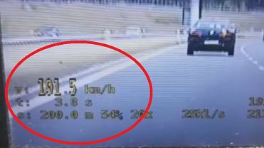 Policjanci z grupy 'SPEED' zatrzymali kierowcę, który przekroczył dozwoloną prędkość o ponad 70 km/h