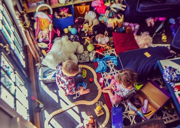 Zabawki interaktywne od dłuższego czasu cieszą się popularnością. Dzieci je uwielbiają, ich rodzice... Cóż, róż nie z tym bywa
