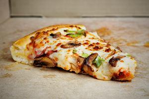 Jak odgrzewać pizzę, ziemniaki i inne dania, żeby smakowały najlepiej?