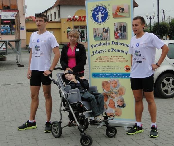 Start - Michał Spychała i Karol Dzieciątko z Dominikiem i jego mamą